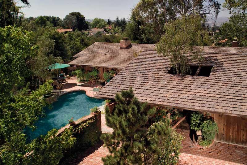 roofers install boral cedarlite roof tile
